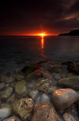 20110316104251-piedras-y-amanecer.jpg