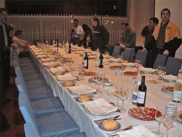 20111207112930-mesa-vacia.jpg