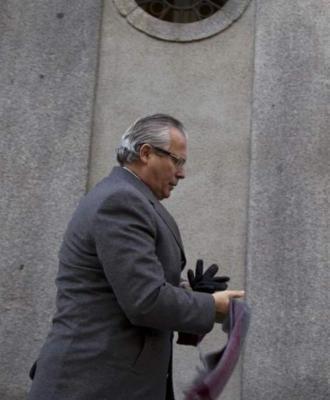 20120209113935-garzon-me-guio-la-defensa-de-las-victimas-del-franquismo-599x0.jpg