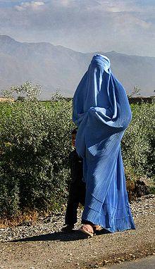 20130713101506-220px-woman-walking-in-afghanistans.jpg